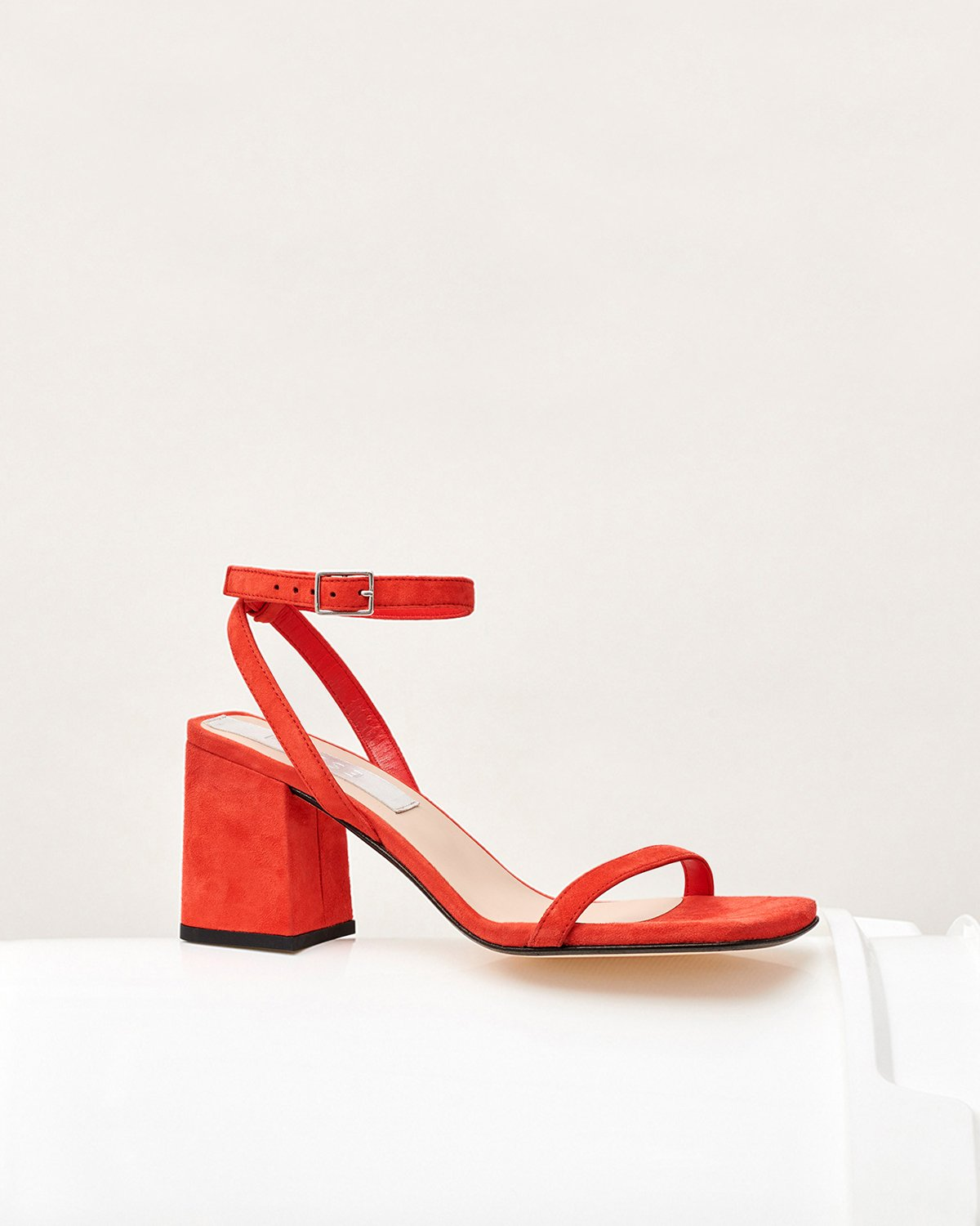 THE ELEVATED ESSENTIAL - RED
