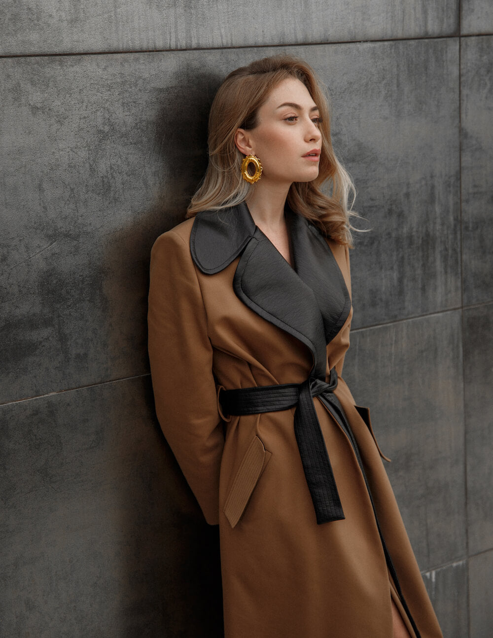 CAMEL COTTON TRENCH WITH COLLAR