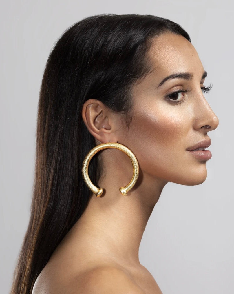 GOLD PLATED HOOP HORSESHOE EARRINGS