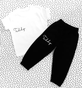 Small signature joggers & tee set