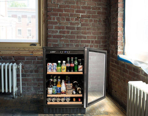 "Image of Smith & Hanks 178 Cans Smith & Hanks Beverage Cooler 24"" Single Zone Stainless Steel BEV145SRE"