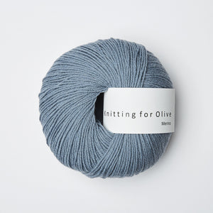 Knitting for Olive Merino Støvet Dueblå garn