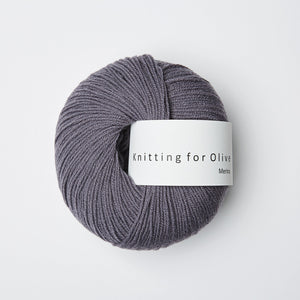 Knitting for Olive Merino Støvet Viol garn