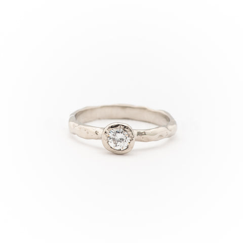 Custom Melt Solitaire Round - Johanna Brierley Jewellery Design