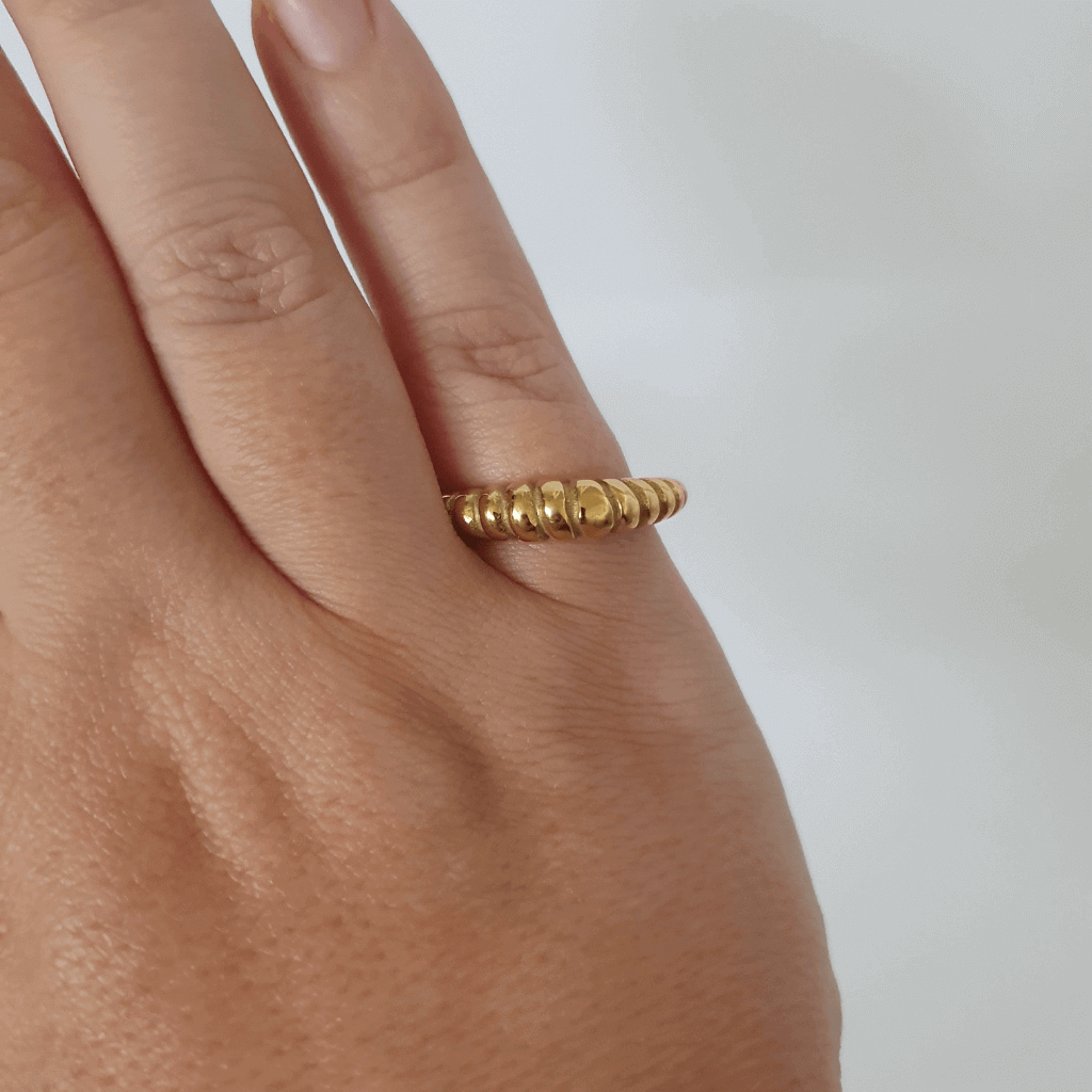 Gold plated rope twist baguette ring