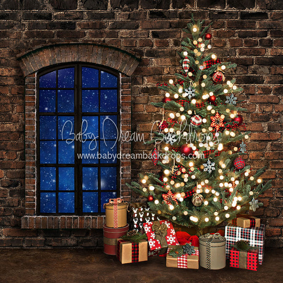 Holiday Loft Tree - 8x8 - JA