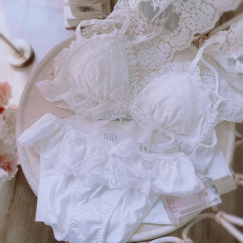 White Lace 2-piece Ruffle Lolita Nymphet Lingerie Set
