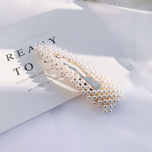 {FREE with Purchase of $25+} Pearl Hairclip