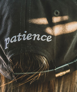 Gorro Dad Hat Patience Negro Classic - patiencechile