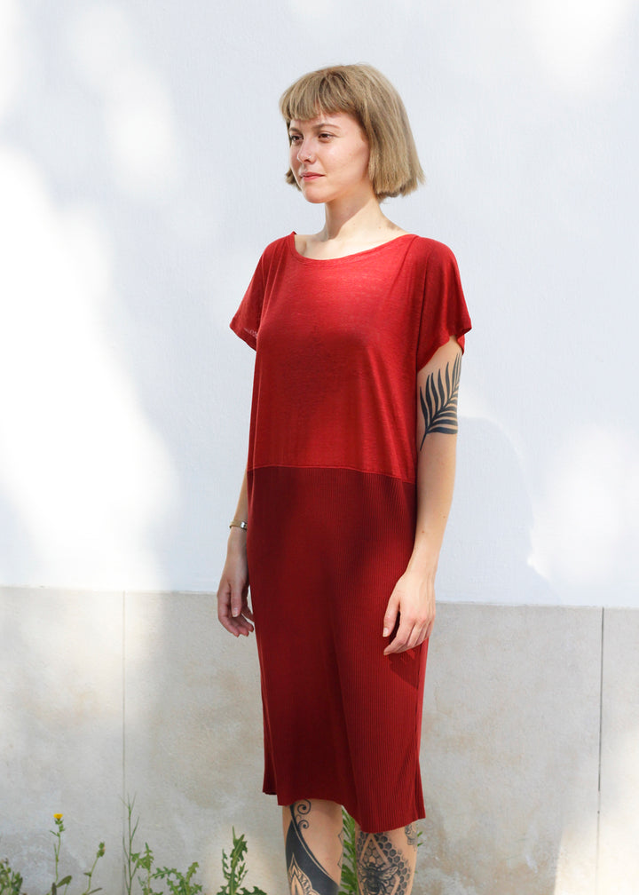 Dress Cocoon in Red