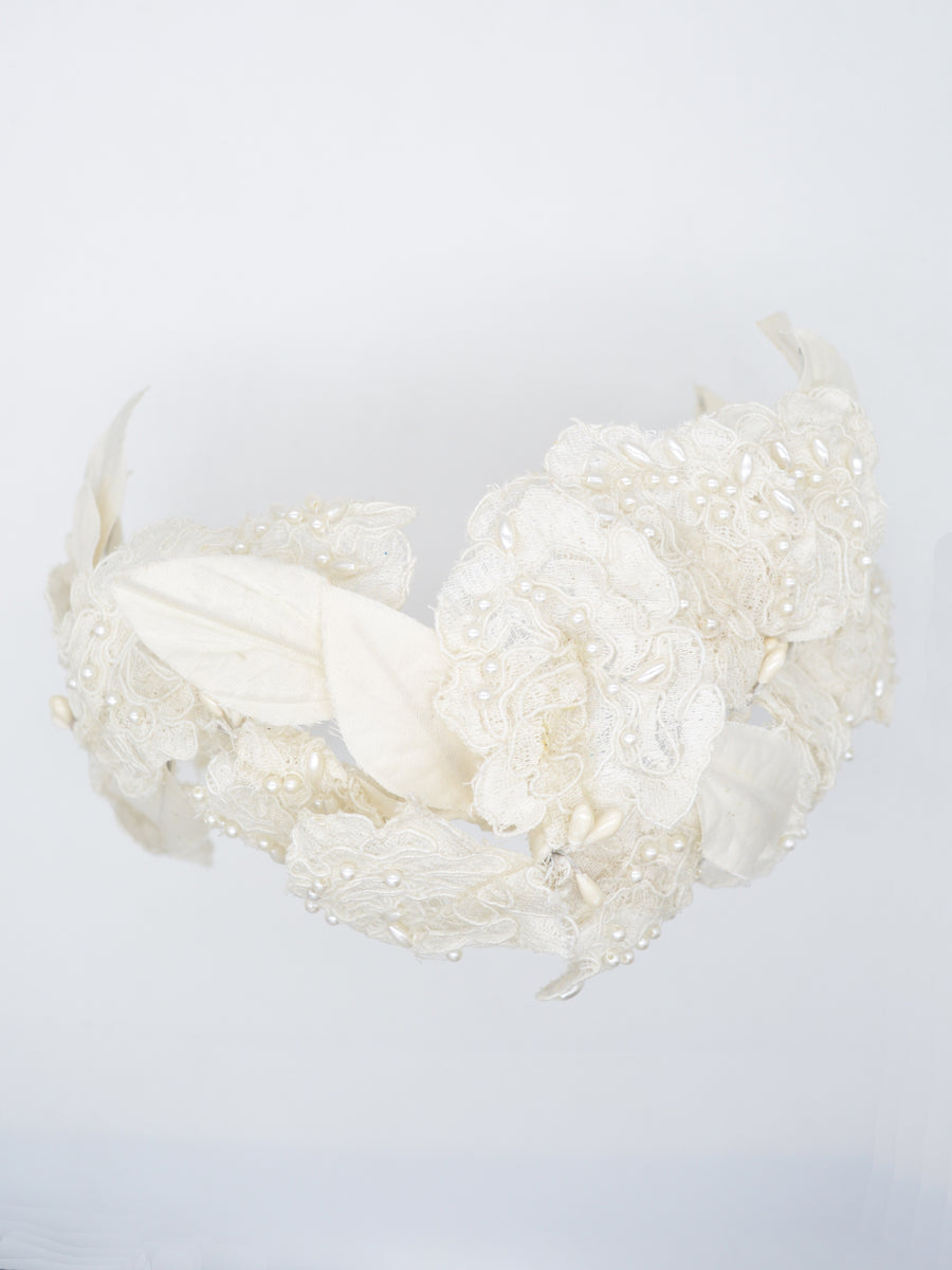 Winds of Change | 10 | White Headpiece