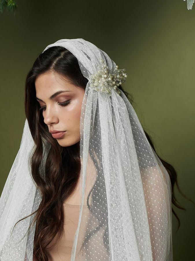 Maya Wedding Veil With Comb Tulle And Pearls