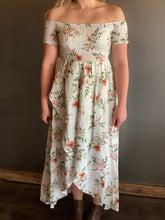 Load image into Gallery viewer, Mae Floral Maxi Dress