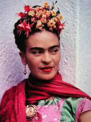 Photograph of Frida Kahlo with Lantana