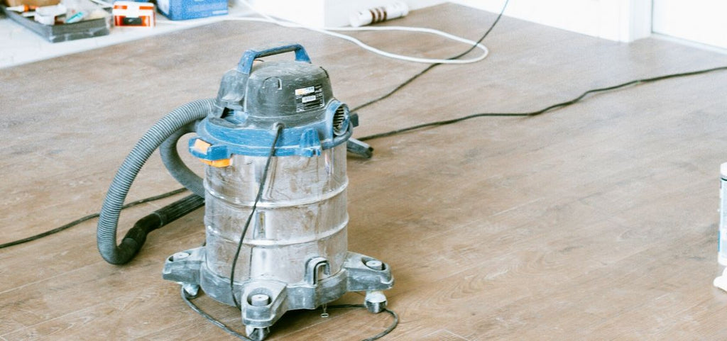 An upright or indoor vacuum cleaner is a fantastic piece of equipment to have around the house