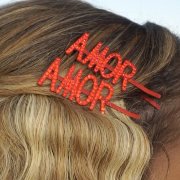 AMOR Sparkly Hair Clip in Red, 1 Piece
