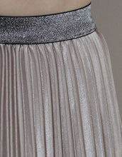 Load image into Gallery viewer, Frankie Pleated Skirt - Champagne