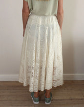 Load image into Gallery viewer, Frankies Lace Skirt - Ivory
