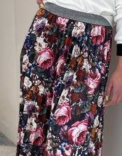 Load image into Gallery viewer, Frankie Rose Skirt