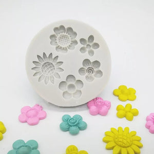 Silicone Mould - 5 x Small Flowers