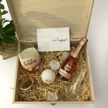 Load image into Gallery viewer, Personalised Timber Box, personalised stemless wine flute, bath fizzy, moscato, Personalised rose gold candle, greeting card