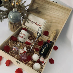 Merry Christmas Personalised Pamper Hamper Gift Box - PrettyLittleGiftBox