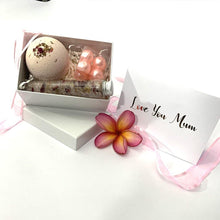 "Load image into Gallery viewer, ""Bath Lovers Gift Box"" - Perfect for Mothers Day/Birthday"
