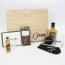 Load image into Gallery viewer, timber fathers day gift box