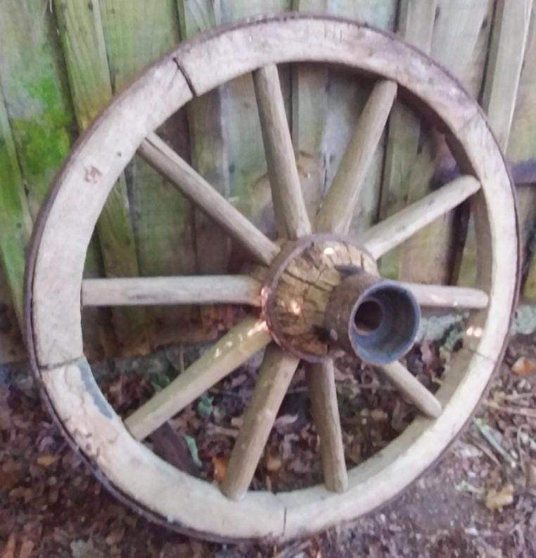 French Vintage Cartwheel Diameter 76cm - THE VINTAGE LOOK Henley-on-Thames