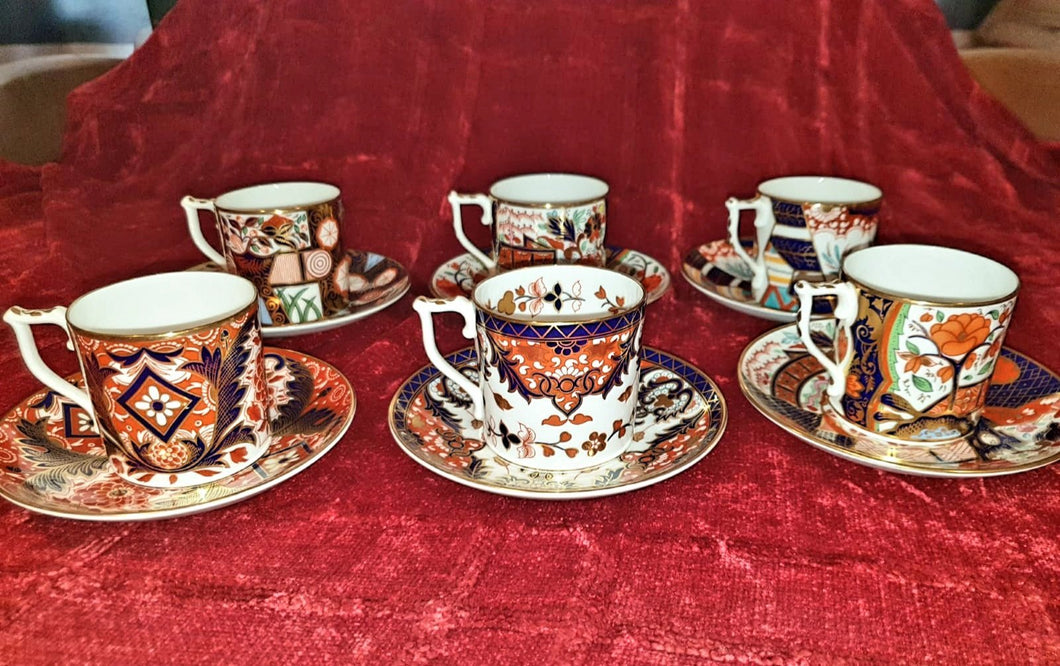 Set of 6 Royal Crown Derby cups and saucers - The Vintage Look Henely