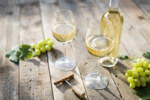 To Chill or Not to Chill? White Wine's Ideal Temperature
