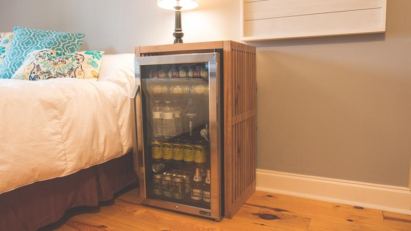 Remanufactured NewAir 126 Can Freestanding Beverage Fridge in Stainless Steel with Handle