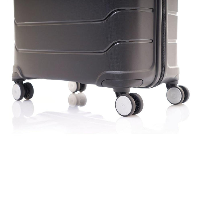 "Samsonite Freeform 24"" Spinner"