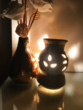 Load image into Gallery viewer, Pot Shape with Base Oil Diffuser