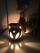 Load image into Gallery viewer, Matka Shape Oil Diffuser