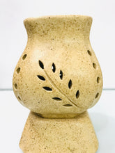 Load image into Gallery viewer, Vase Shape Oil Diffuser - QYARI