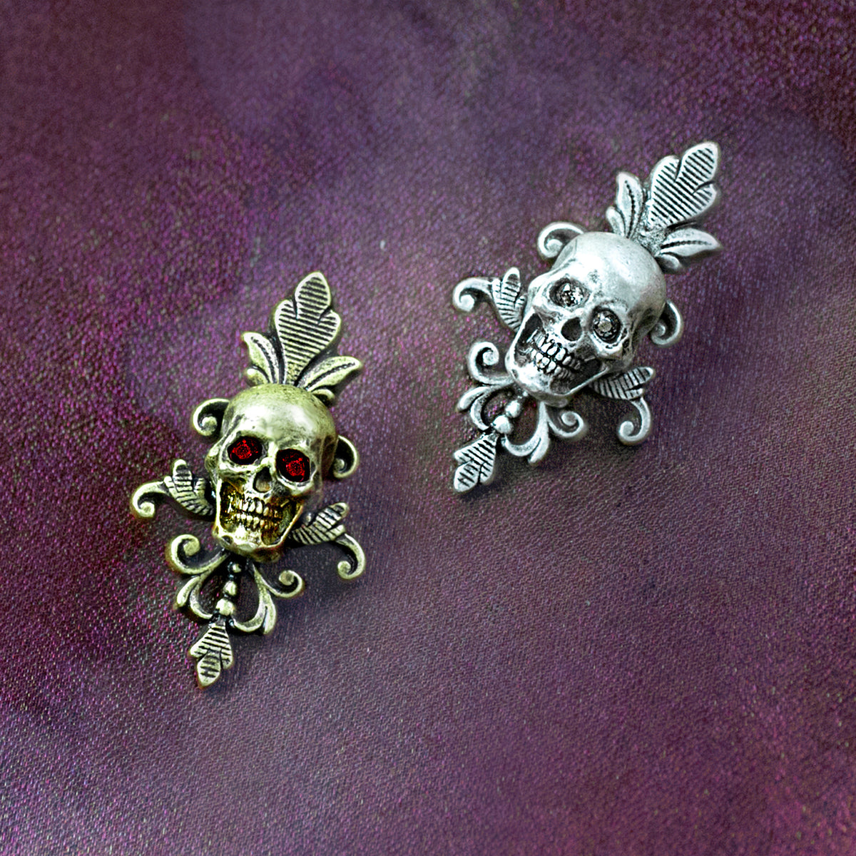 Small Skull Pin P656 - Sweet Romance Wholesale