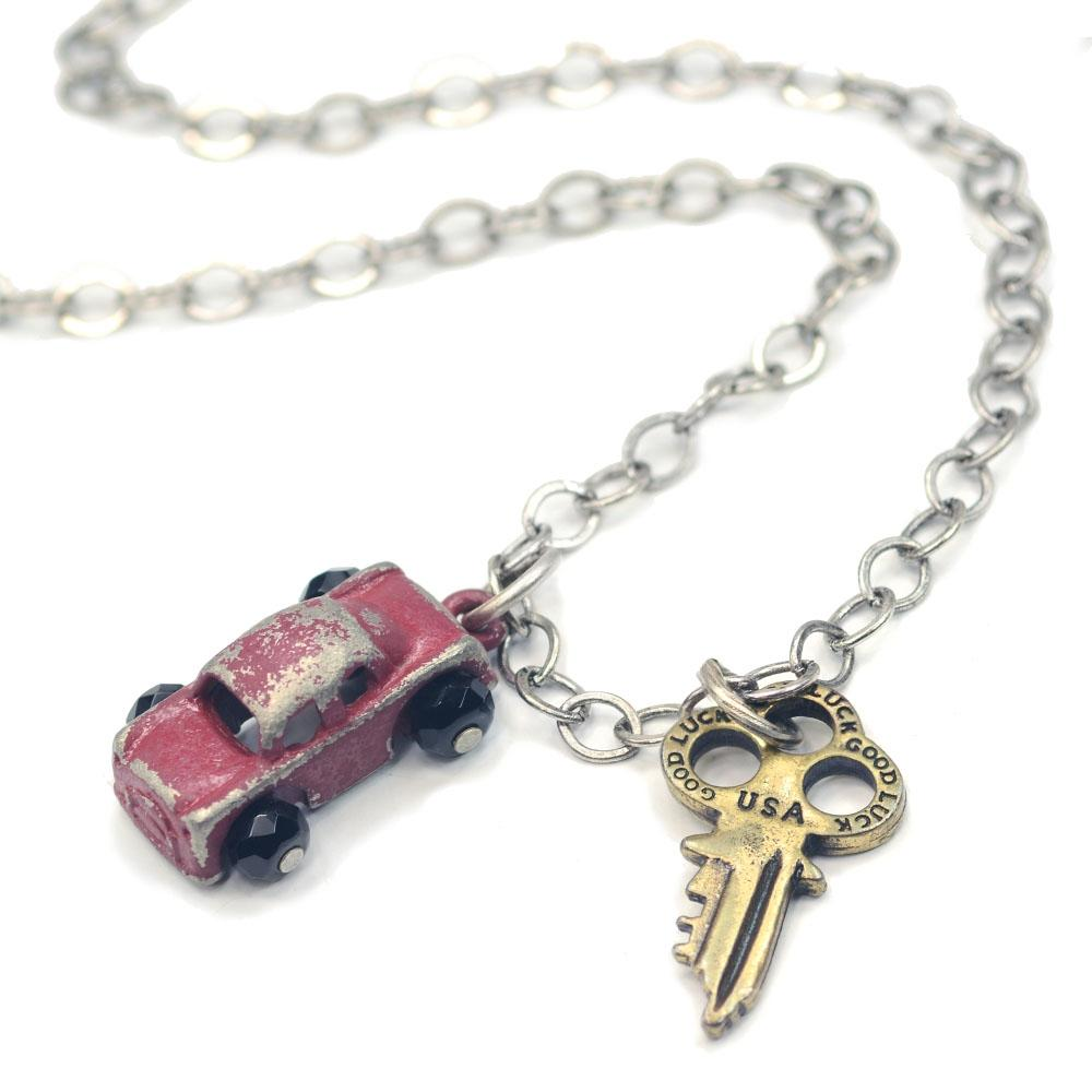 Junk Car & Key Necklace N317