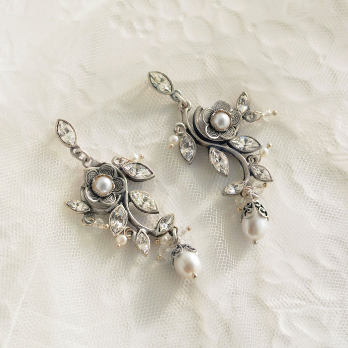 D'vine Earrings E1186 - Sweet Romance Wholesale