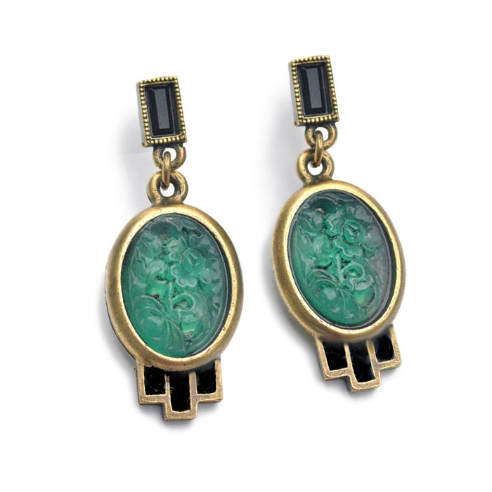 Vintage Green Jadeite Oval Glass Earrings