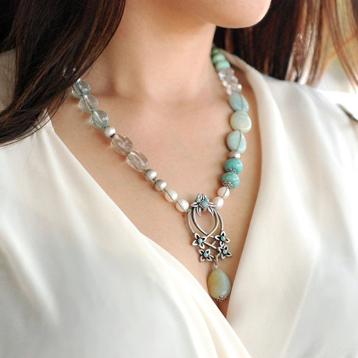 Flower Trellis Gemstone and Pearl Necklace N1378 - Sweet Romance Wholesale