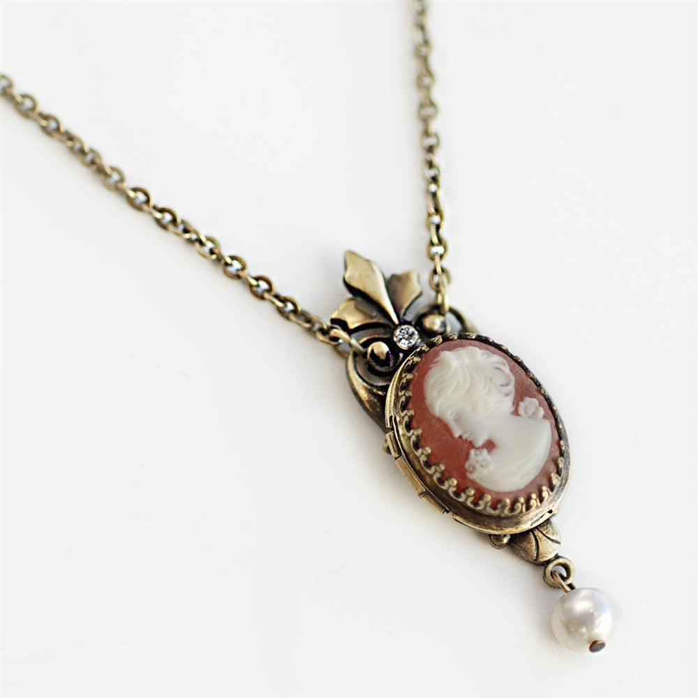 Victoria Cameo Locket - Sweet Romance Wholesale