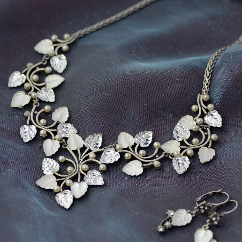 Satin Glass Leaves Necklace