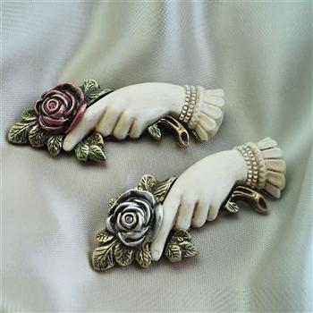Victorian Rose Pin of Love and Friendship - Sweet Romance Wholesale