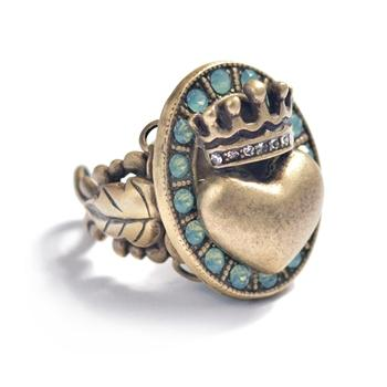 Queen of Hearts Ring R537 - Sweet Romance Wholesale