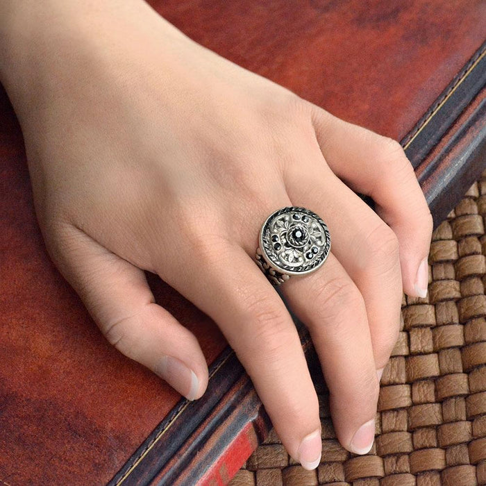 Window Medallion Ring - Sweet Romance Wholesale