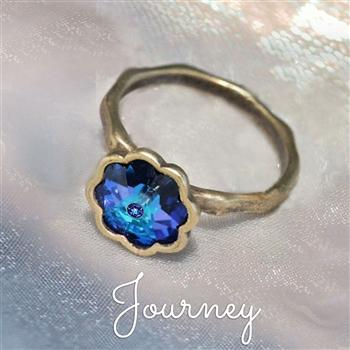 Vintage Crystal Flower Ring - Sweet Romance Wholesale