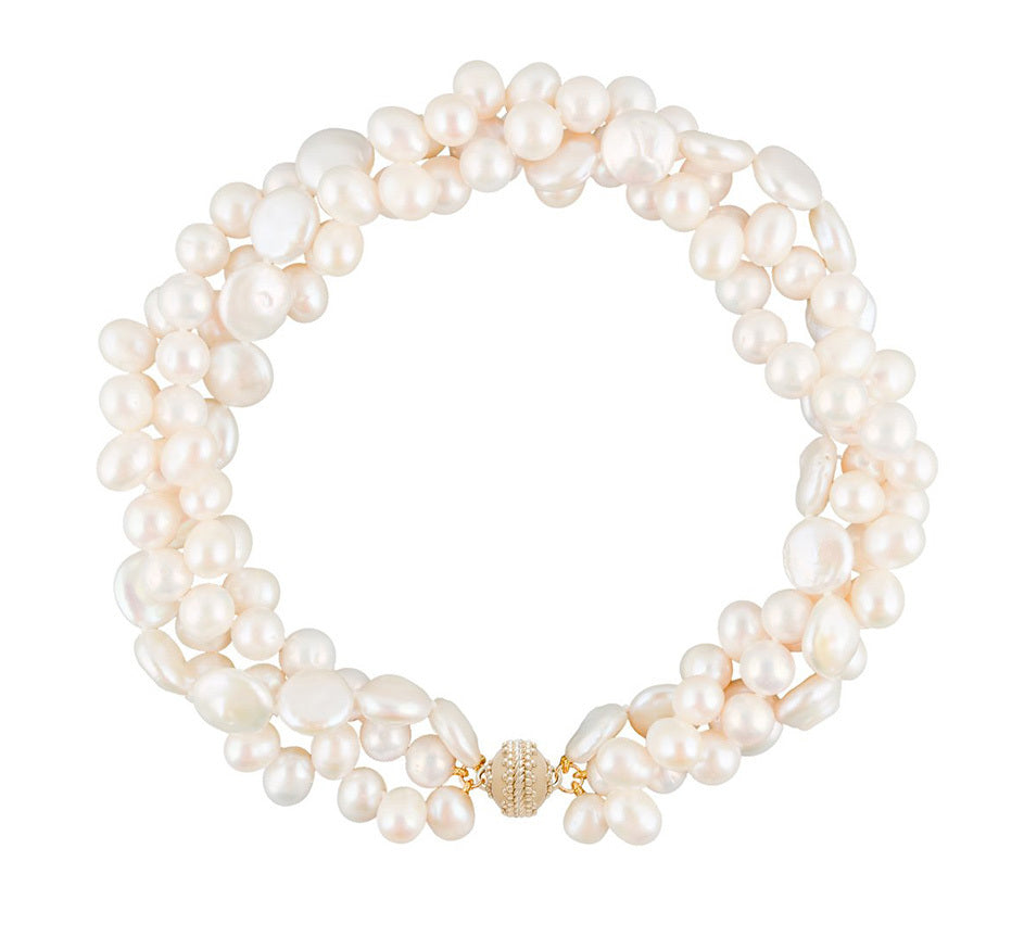 Clara Pearl Necklace