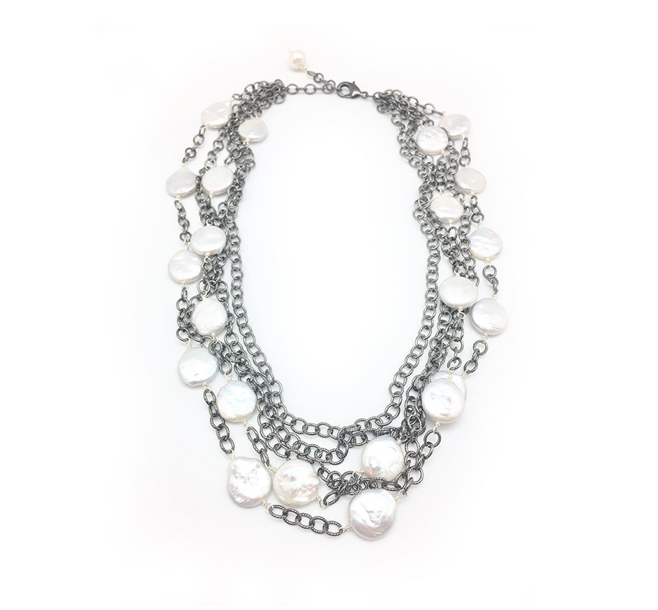Sara Necklace In White Pearl With Oxidized Silver