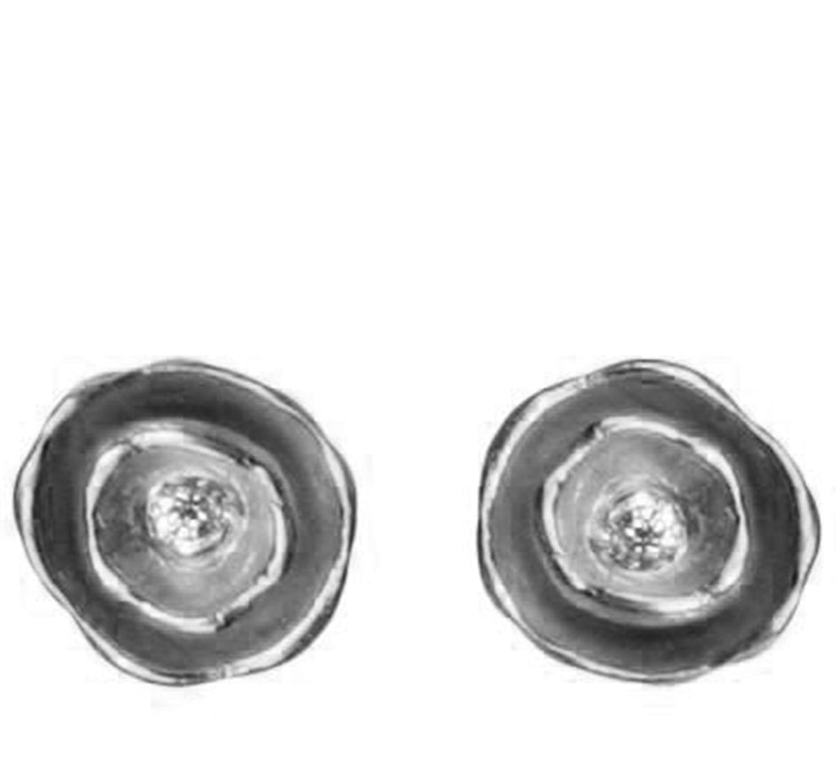Oyster Pod Earrings With Diamond In Oxidized Silver